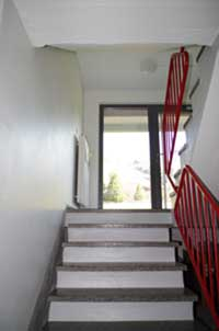 treppenhaus nach au en verlegen gel nder f r au en. Black Bedroom Furniture Sets. Home Design Ideas